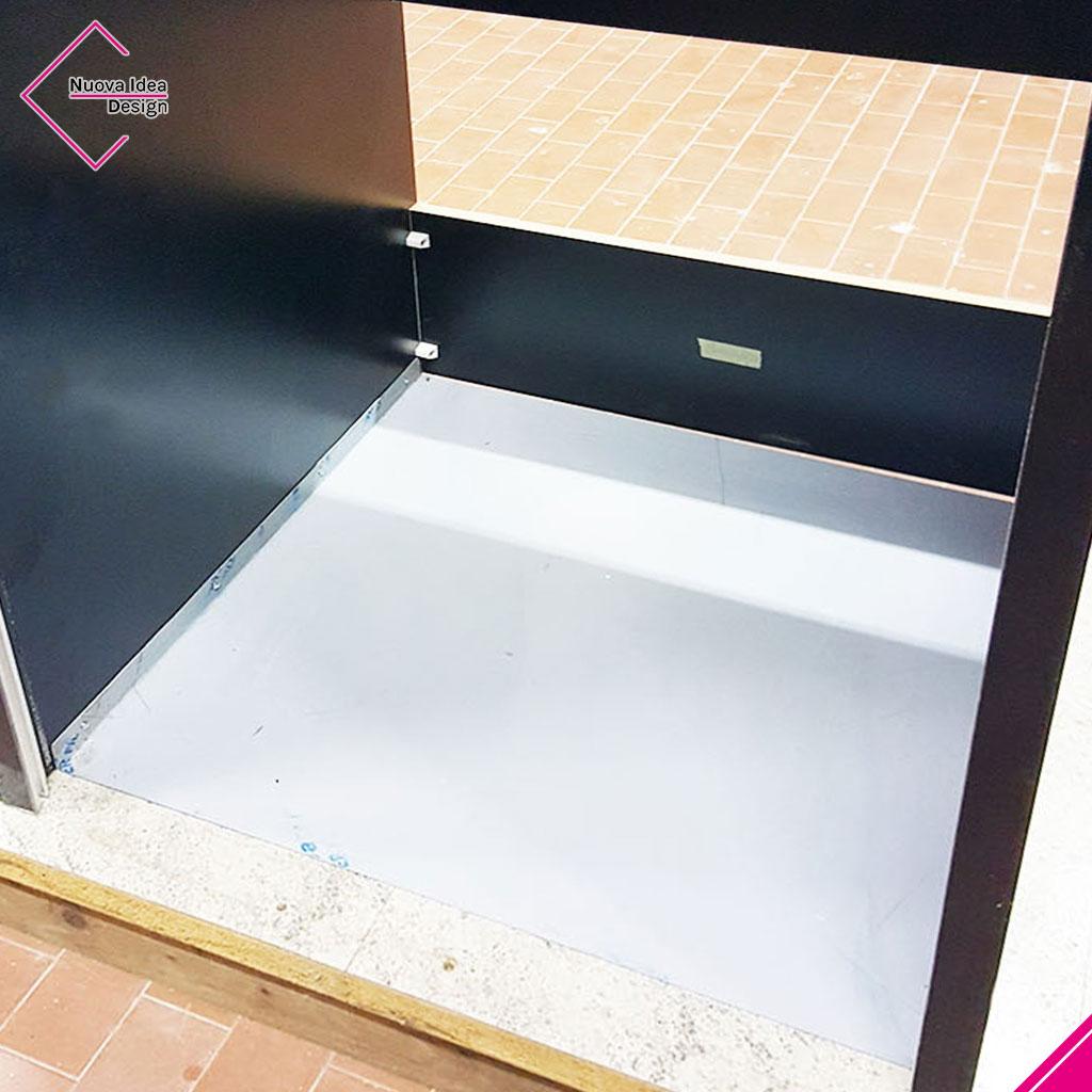 Mobile a serrandina porta lavatrice, modello Beta Wash, dettaglio fondo